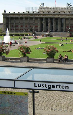 Lustgarten, Altes Museum, Berlin