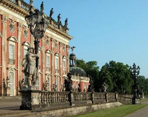 Neue Palais Schloss Westseite Park Sanssouci Potsdam