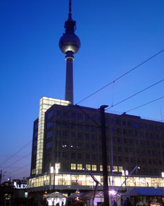 Fernsehturm-by-night