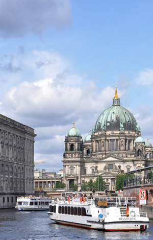 private river cruises Berlin - throug the historical city centre