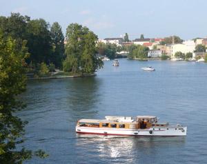 Private-Schiffstouren-Berlin