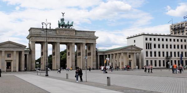 Berlin Sehenswürdigkeiten draußen - Brandenburger Tor 2020