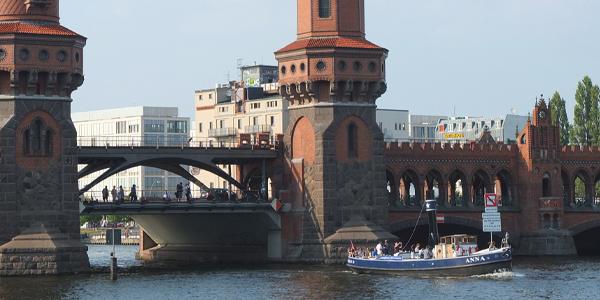 Bootstour Berlin, Oberbaumbrücke